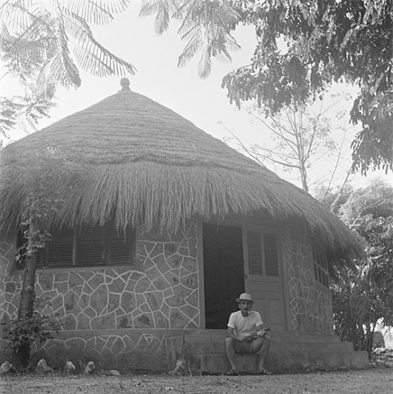 JT au Campement du Buffle Noir, Cameroun, 1961